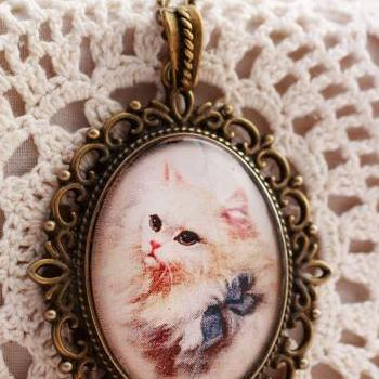 White cat pendant, cat portrait pendant, cat lover gifts, glass cat pendant, cat lover necklace