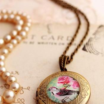 Glass bird photo locket, bird picture locket, glass photo locket, bird locket