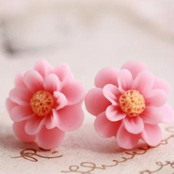 Pale pink flower earrings, pink flower stud earrings, resin flower earrings, blush pink earrings, pink cabochon earrings
